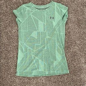 UA dry fit shirt
